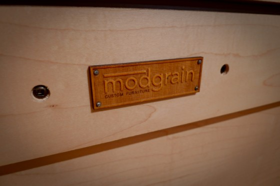 modgrain-nameplate