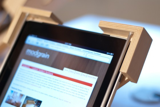 secure iPad stand-1
